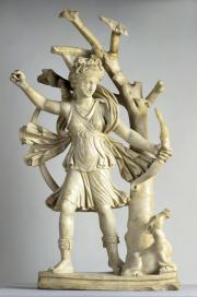 Statue de Diane,fin du IVe – début du Ve siècle. Marbre blanc.