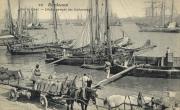 Gabares dans le port, carte postale, J-F Pée