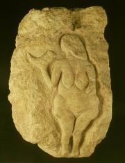 Vénus de Laussel dite « Vénus à la corne », photo L.Gauthier,  mairie de Bordeaux, musée d'Aquitaine