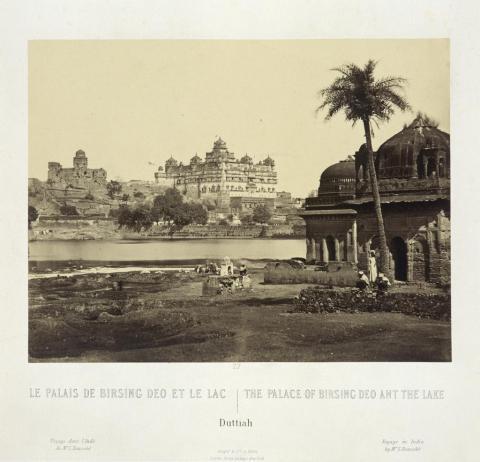 """""""El Palacio de Birsing Deo y el lago, Duthhia"""", 1867"""