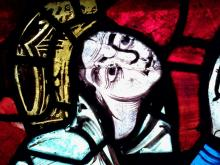 Aliénor d'Aquitaine en donatrice, détail du vitrail de la Crucifixion de la cathédrale de Poitiers (XIIe s)